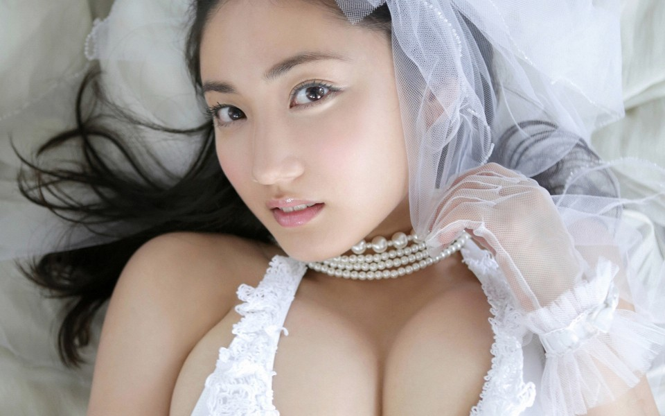 性感美女入江纱绫泳衣写真
