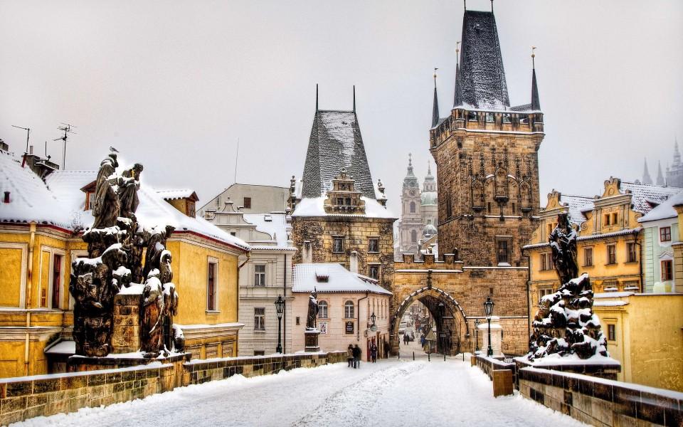 布拉格都市风景桌面壁纸