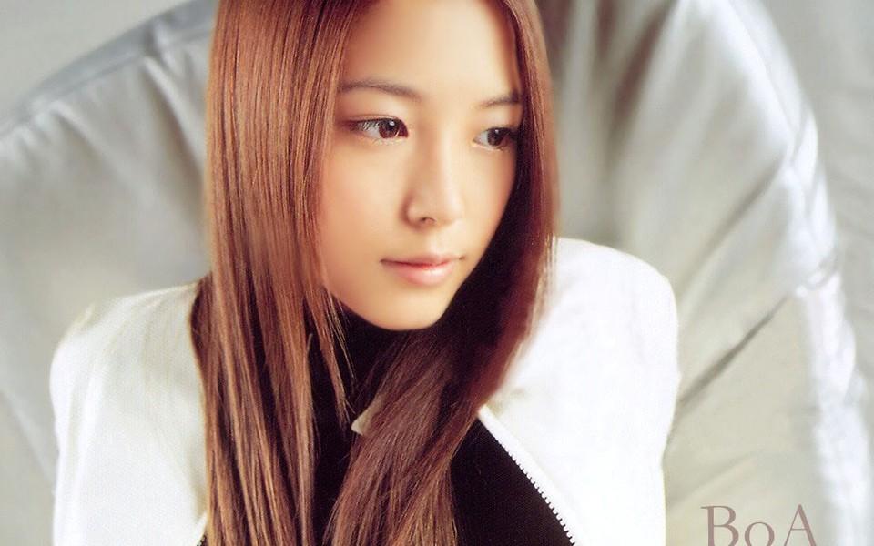 韩国美女明星宝儿桌面壁纸