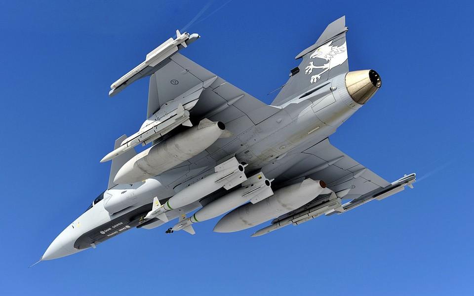 jas-39鹰狮战斗机飞机桌面壁纸