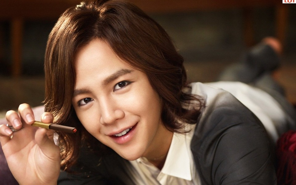 韩国演员张根硕头像图片