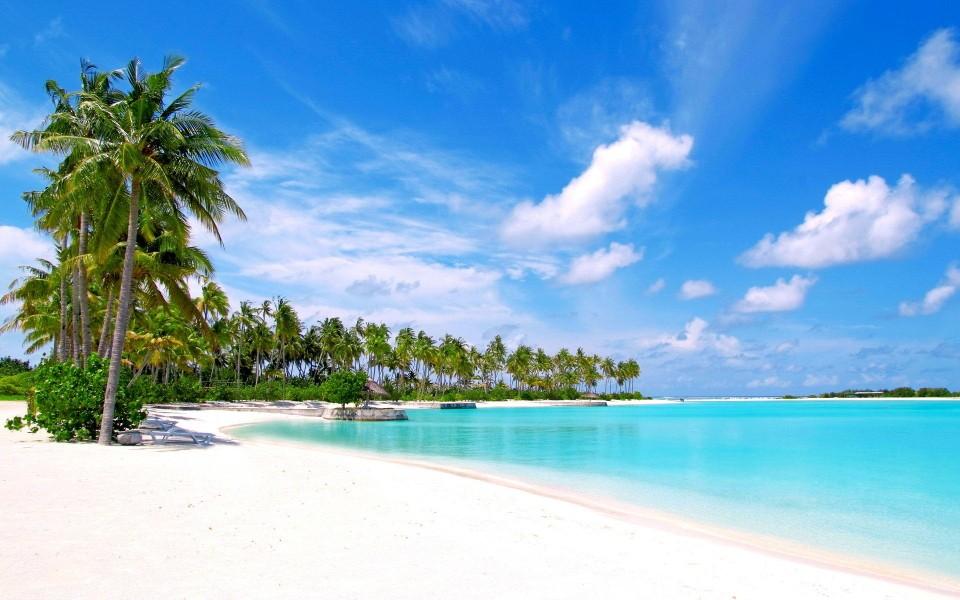 清新藍色海岸高清風景桌面壁紙