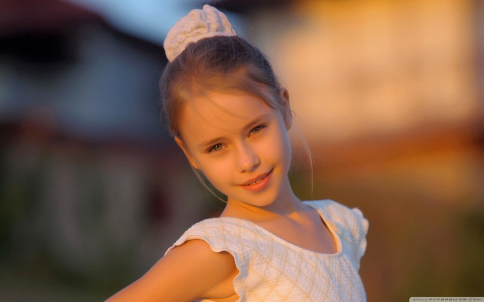 可爱女孩宽屏壁纸桌面