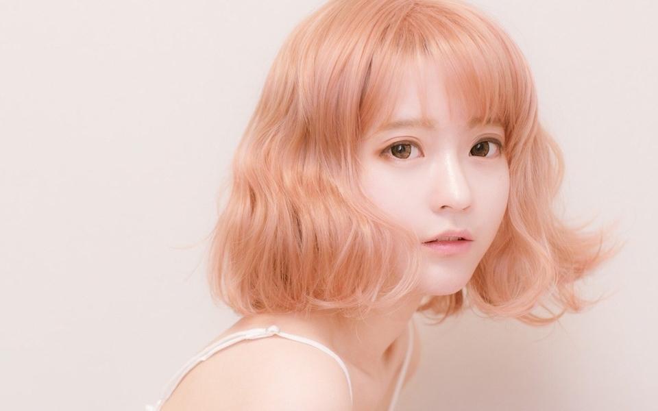 韩国90后美女模特yurisa宽屏壁纸