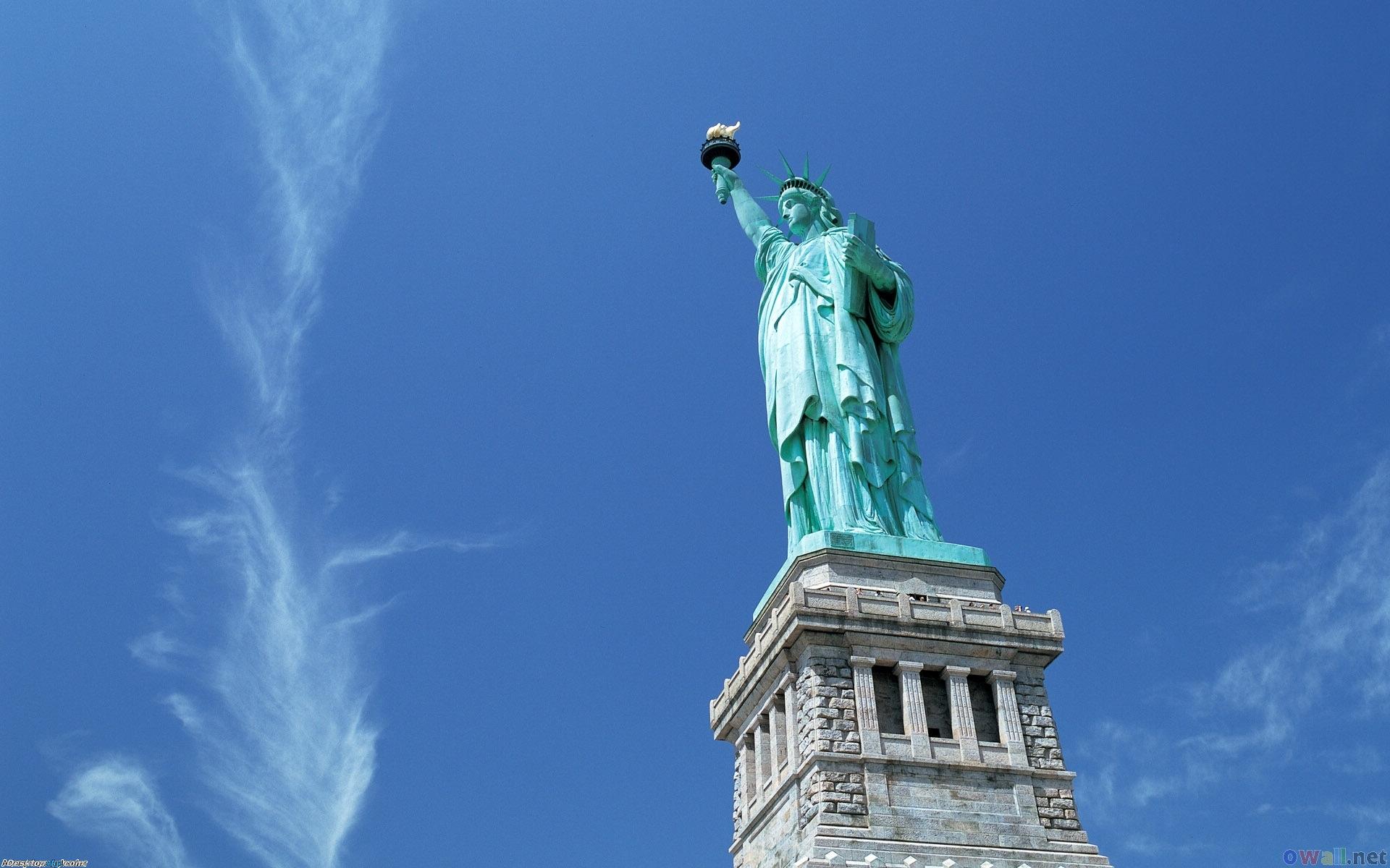 自由女神像高清桌面壁纸
