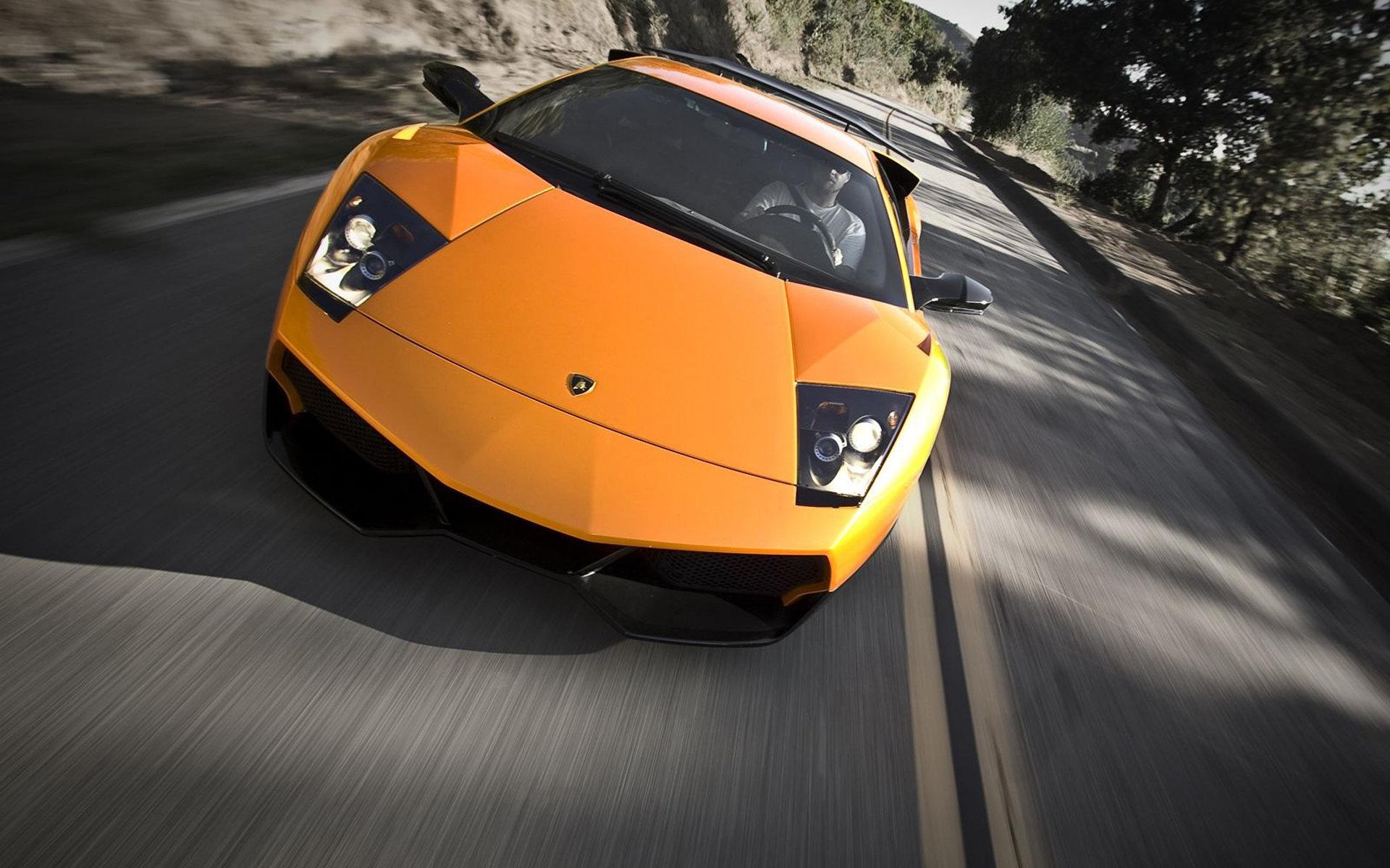 橙色兰博基尼超级跑车桌面壁纸