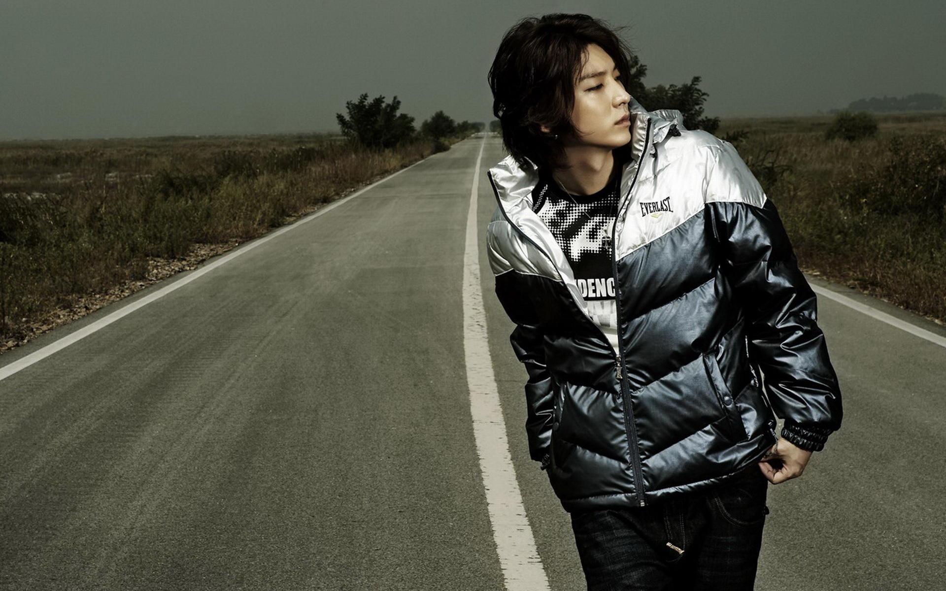 韩国明星李准基电脑壁纸图片