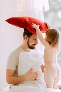 父親與寶寶手機圖片壁紙