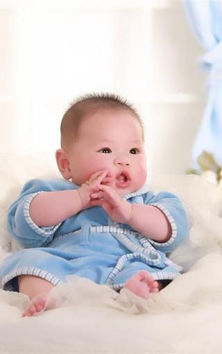 可爱小婴儿手机桌面