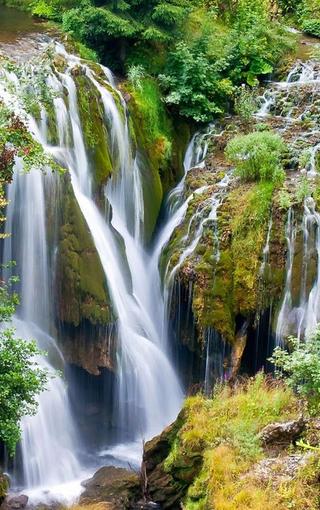 唯美自然溪流风景手机壁纸高清图片