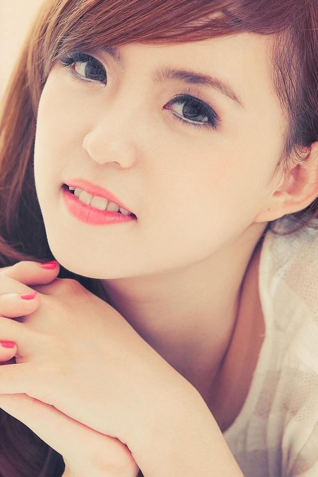 清纯贤淑的可爱女孩