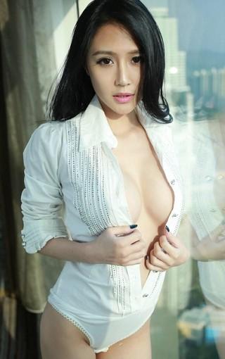 性感白衣女神高清手机桌面壁纸