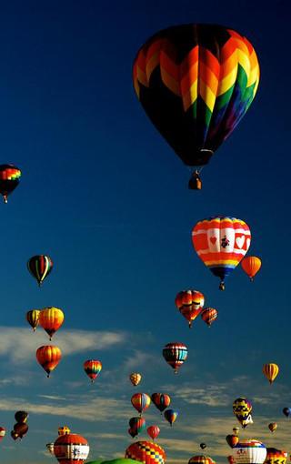 彩色热气球手机壁纸