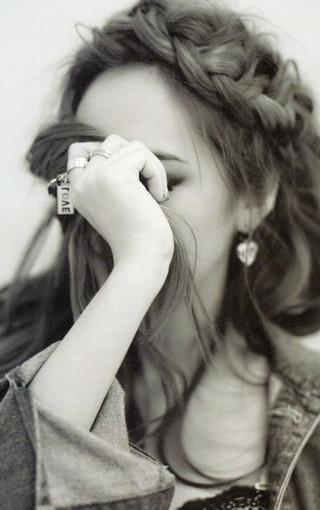 黑白美女壁纸图片