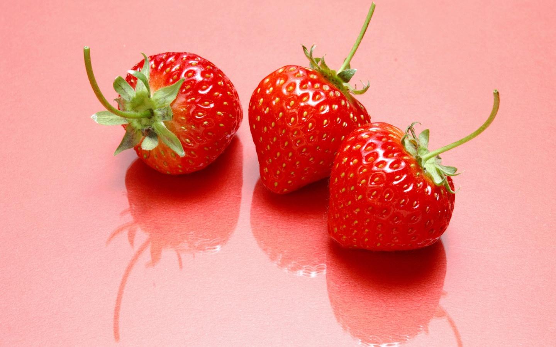 新鲜草莓壁纸_新鲜草莓壁纸软件截图