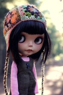 娇小可爱美女娃娃图片壁纸