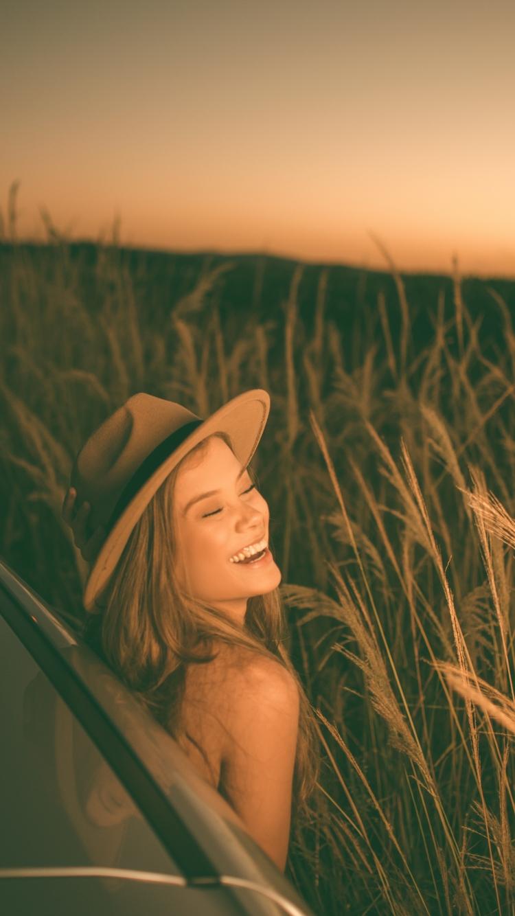 帽子美女妩媚动人图片壁纸